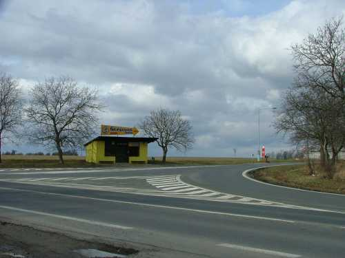 Bustehrad turnoff on the Prague to Kladno road